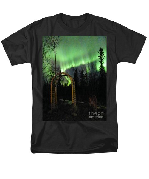Auroral Arch Men's T-Shirt  (Regular Fit) by Brian Boyle