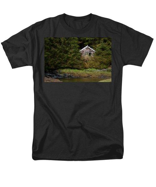 Backwoods Shack Men's T-Shirt  (Regular Fit) by Melinda Ledsome