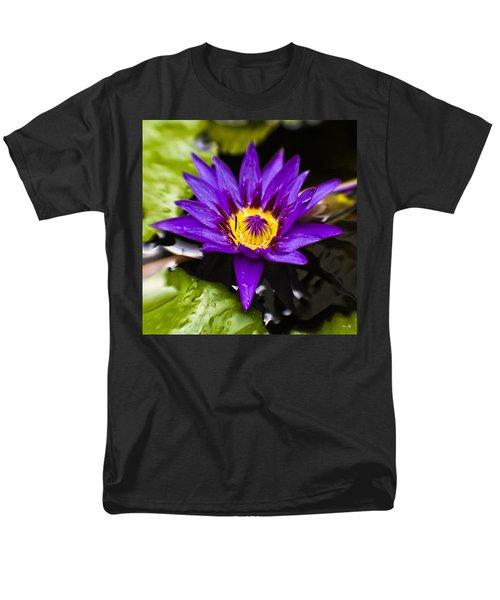 Bayou Beauty Men's T-Shirt  (Regular Fit) by Scott Pellegrin