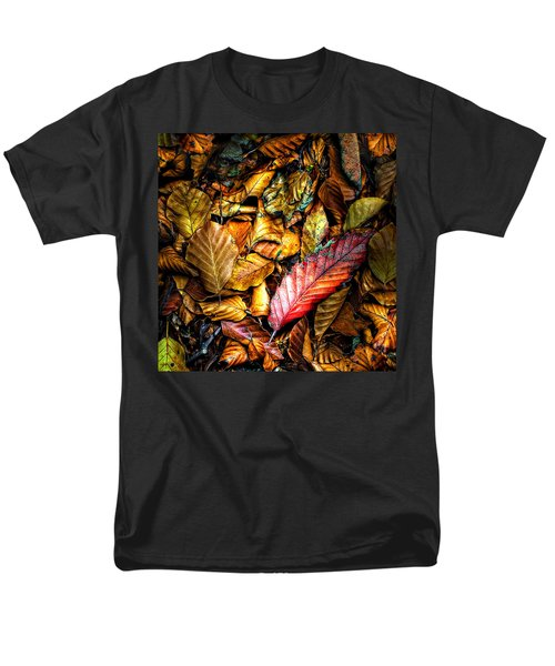 Men's T-Shirt  (Regular Fit) featuring the photograph Beautiful Fall Color by Meirion Matthias