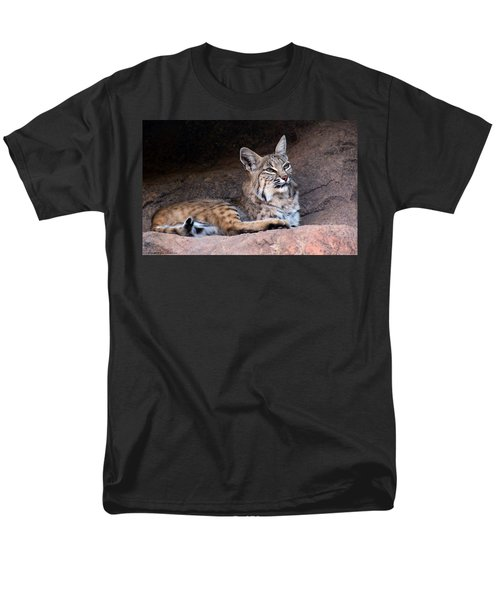 Men's T-Shirt  (Regular Fit) featuring the photograph Hmm What To Do by Elaine Malott
