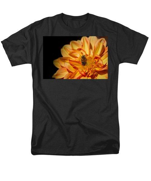 Busy Bee Dahlia Men's T-Shirt  (Regular Fit) by Linda Villers