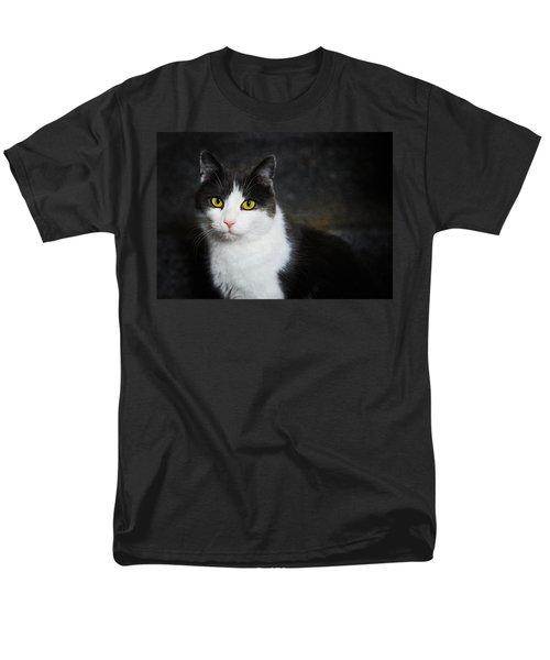 Cat Portrait With Texture Men's T-Shirt  (Regular Fit) by Matthias Hauser