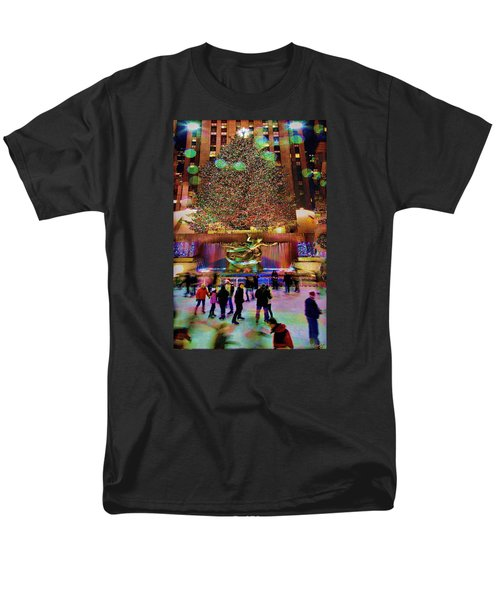 Men's T-Shirt  (Regular Fit) featuring the photograph Christmas At The Rock by Chris Lord