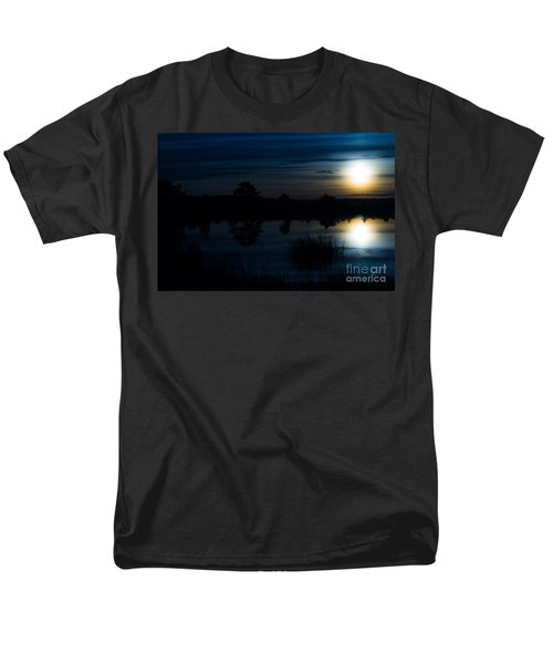 Men's T-Shirt  (Regular Fit) featuring the photograph Cold Winter Morning by Angela DeFrias