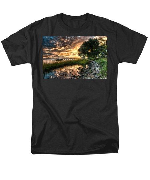 Coosaw Plantation Sunset Men's T-Shirt  (Regular Fit)