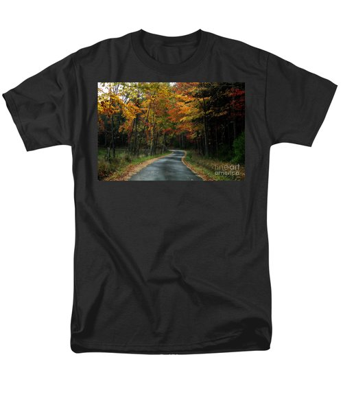 Country Road Men's T-Shirt  (Regular Fit)