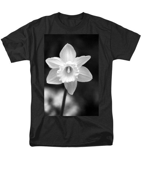 Daffodils - Infrared 10 Men's T-Shirt  (Regular Fit) by Pamela Critchlow