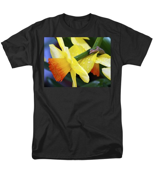Men's T-Shirt  (Regular Fit) featuring the photograph Daffodils With Rain by Joe Schofield