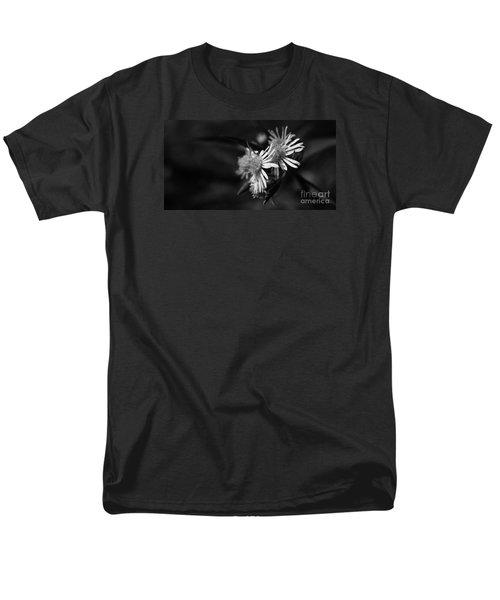 Men's T-Shirt  (Regular Fit) featuring the photograph Dames En Noir by Linda Shafer
