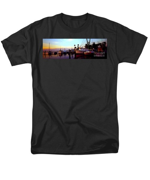 Daytona Beach Fl Last Chance Miss Hazel And Sonny Boy Men's T-Shirt  (Regular Fit) by Tom Jelen