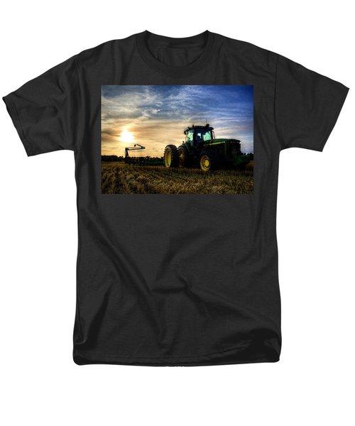 Deere Sunset Men's T-Shirt  (Regular Fit)
