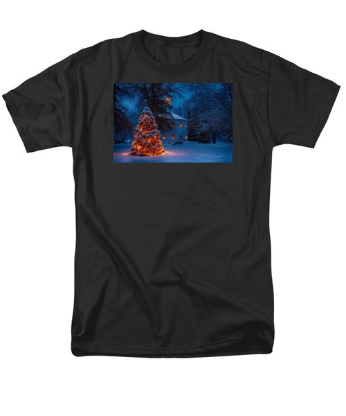 Christmas At The Richmond Round Church Men's T-Shirt  (Regular Fit) by Jeff Folger