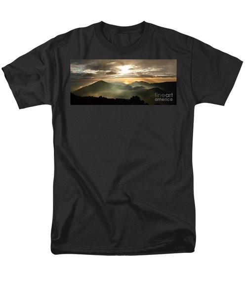 Foggy Sunrise Over Haleakala Crater On Maui Island In Hawaii Men's T-Shirt  (Regular Fit)
