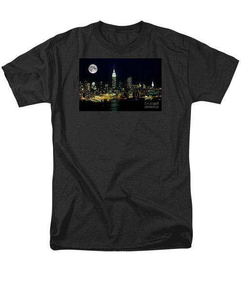 Full Moon Rising - New York City Men's T-Shirt  (Regular Fit) by Anthony Sacco