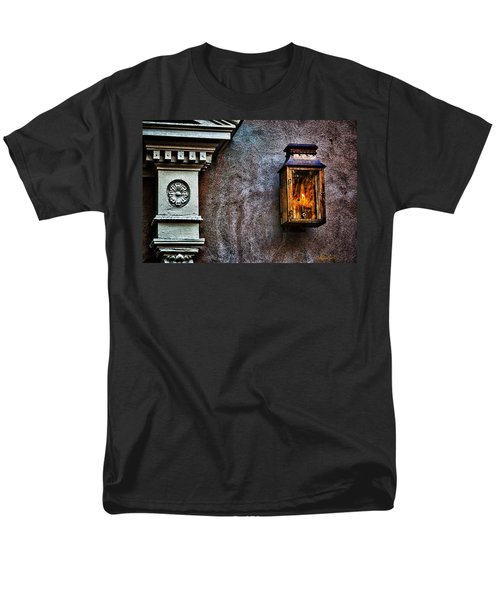Gas Lantern Men's T-Shirt  (Regular Fit)