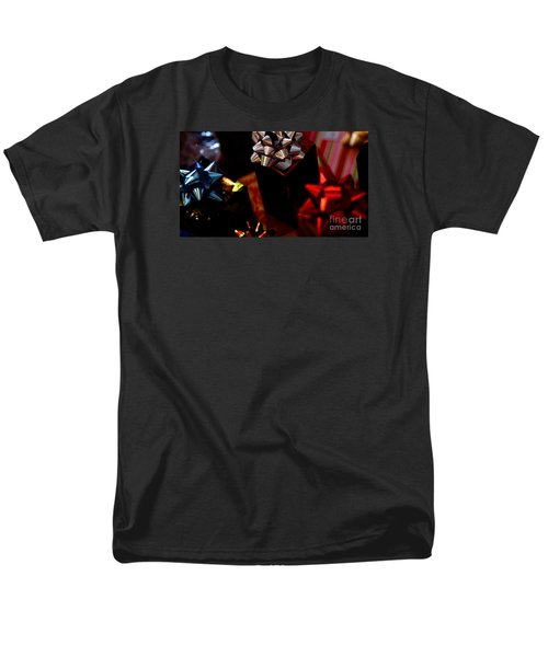 Men's T-Shirt  (Regular Fit) featuring the photograph Gifts by Linda Shafer