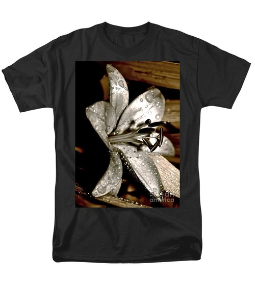 Gilded Lilies 3 Men's T-Shirt  (Regular Fit) by Linda Bianic
