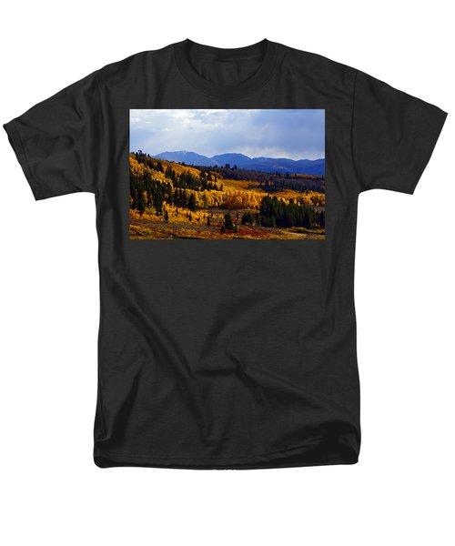 Golden Fourteeners Men's T-Shirt  (Regular Fit) by Jeremy Rhoades