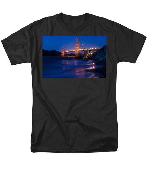 Golden Gate Glow Men's T-Shirt  (Regular Fit) by Linda Villers