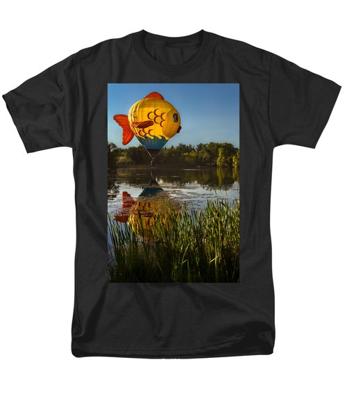 Goldfish Reflection Men's T-Shirt  (Regular Fit) by Linda Villers