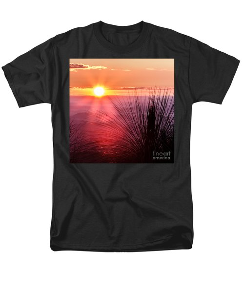 Men's T-Shirt  (Regular Fit) featuring the photograph Grasstree Sunset by Peta Thames