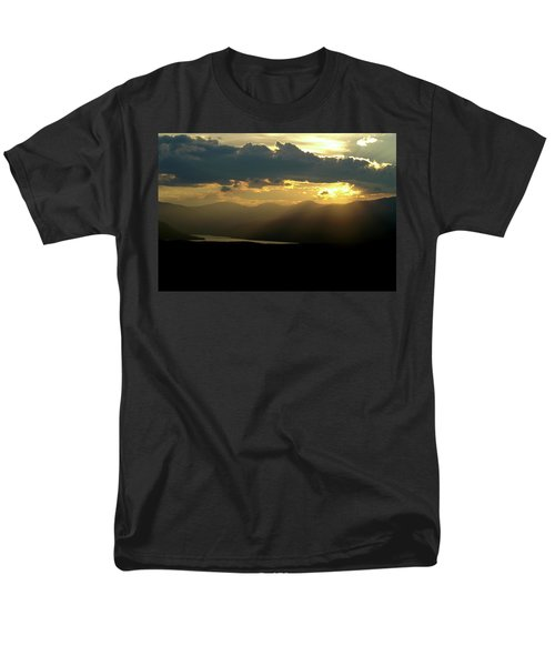 Men's T-Shirt  (Regular Fit) featuring the photograph Great Divide Light by Jeremy Rhoades