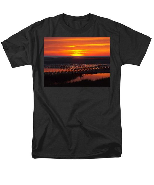 Men's T-Shirt  (Regular Fit) featuring the photograph Greetings by Dianne Cowen