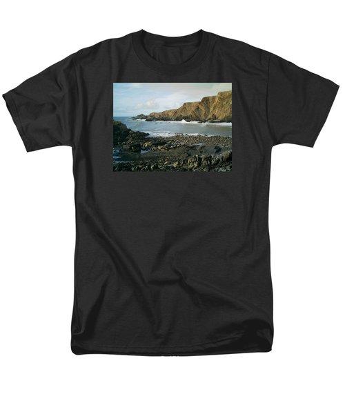 North Devon - Hartland Quay Men's T-Shirt  (Regular Fit) by Richard Brookes