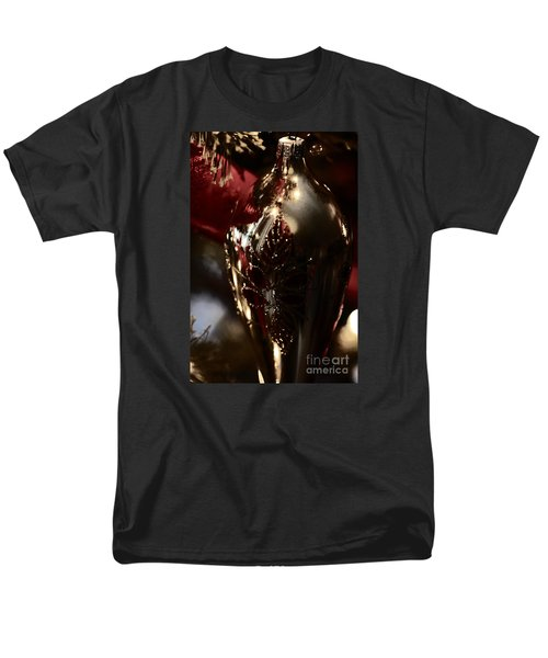 Men's T-Shirt  (Regular Fit) featuring the photograph Holiday Sparkle In Red by Linda Shafer