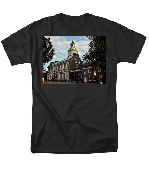 Independence Hall Men's T-Shirt  (Regular Fit) by Ed Sweeney