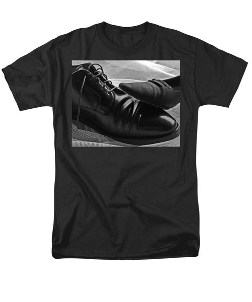 Men's T-Shirt  (Regular Fit) featuring the photograph Instep by Lisa Phillips