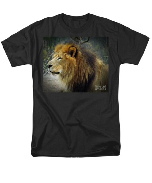 King Of The Jungle Men's T-Shirt  (Regular Fit) by Sara  Raber