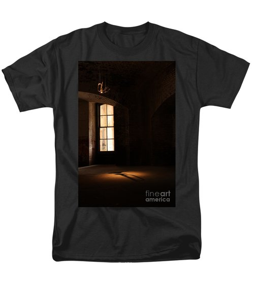 Men's T-Shirt  (Regular Fit) featuring the photograph Last Song by Suzanne Luft