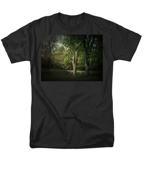 Men's T-Shirt  (Regular Fit) featuring the photograph Late Day Drive by Cynthia Lassiter