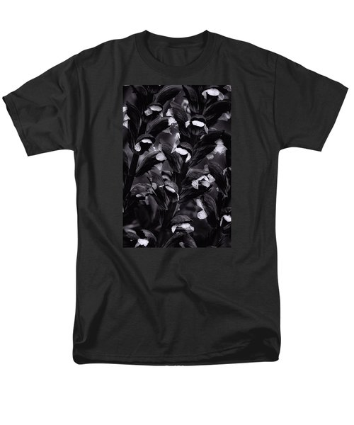 Men's T-Shirt  (Regular Fit) featuring the photograph Light In The Dark by Edgar Laureano