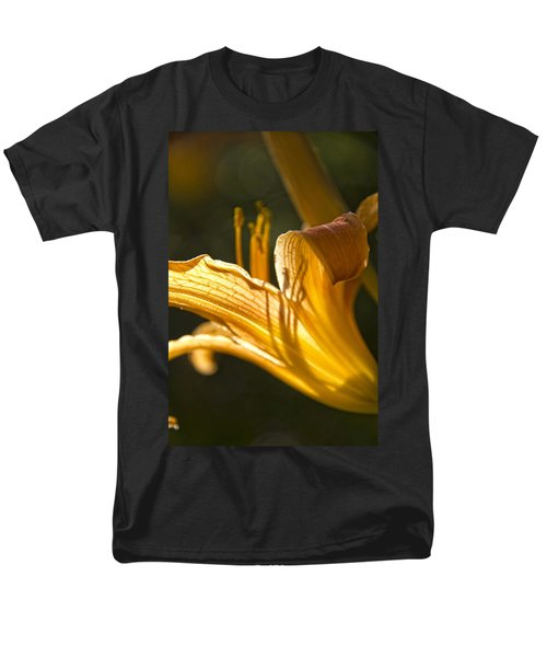 Lily In The Yard Men's T-Shirt  (Regular Fit) by Daniel Sheldon