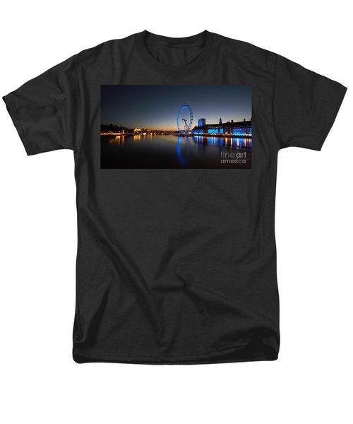 Men's T-Shirt  (Regular Fit) featuring the photograph London 1 by Mariusz Czajkowski
