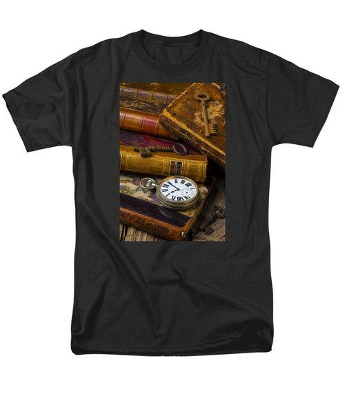 Love Old Books Men's T-Shirt  (Regular Fit) by Garry Gay