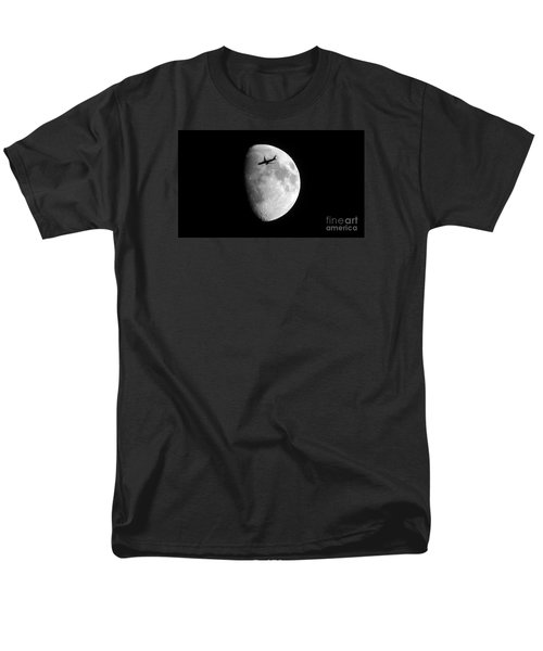 Men's T-Shirt  (Regular Fit) featuring the photograph Lucky Shot by Janice Westerberg