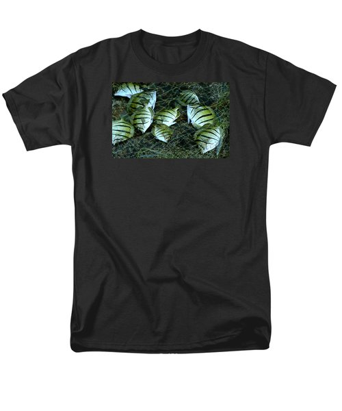 Manini Catch Men's T-Shirt  (Regular Fit) by Lehua Pekelo-Stearns