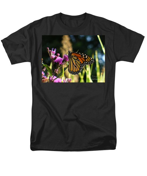 Men's T-Shirt  (Regular Fit) featuring the photograph Monarch Butterfly by Lingfai Leung