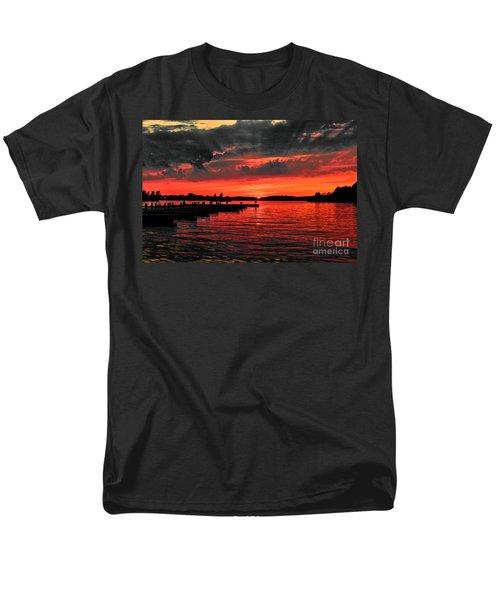 Muskoka Sunset Men's T-Shirt  (Regular Fit) by Les Palenik