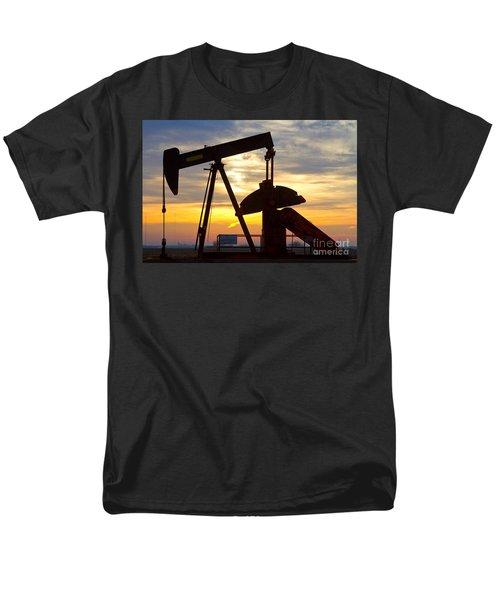 Oil Pump Sunrise Men's T-Shirt  (Regular Fit)