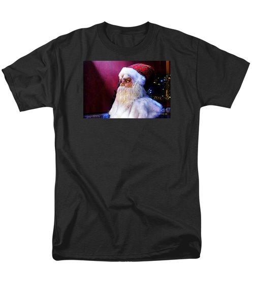 Old Saint Nick Men's T-Shirt  (Regular Fit) by Paul Mashburn