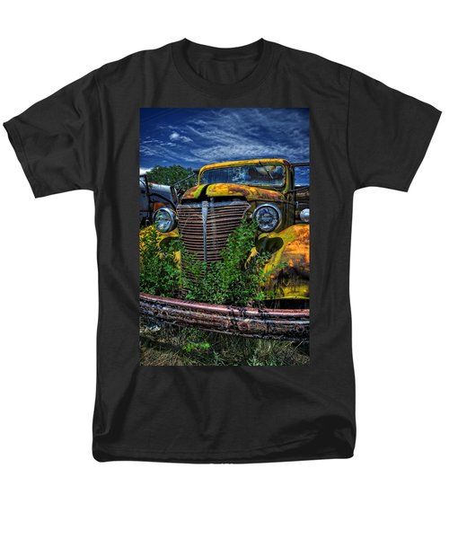 Men's T-Shirt  (Regular Fit) featuring the photograph Old Yeller by Ken Smith