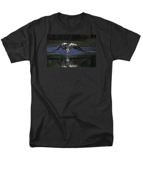 Osprey Bird Of Prey Men's T-Shirt  (Regular Fit) by David Lester