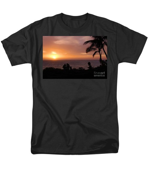 Men's T-Shirt  (Regular Fit) featuring the photograph Perfect End To A Day by Suzanne Luft