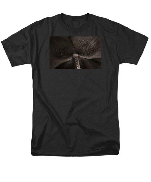 Poppy Art Men's T-Shirt  (Regular Fit) by The Art Of Marilyn Ridoutt-Greene