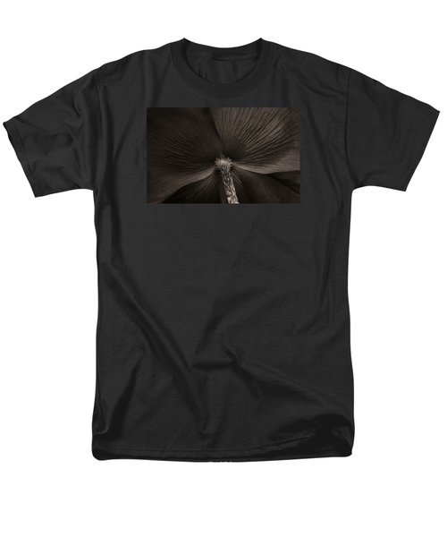 Poppy Art Men's T-Shirt  (Regular Fit)